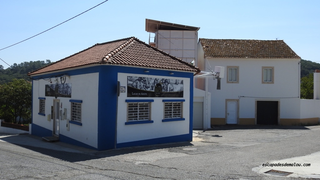 https://escapadesdemalou.com/moulin-a-huile-portugal/