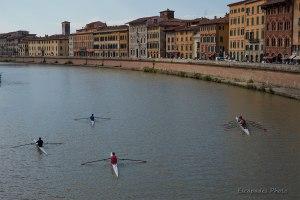 Au long des quais de l'Arno à Pise