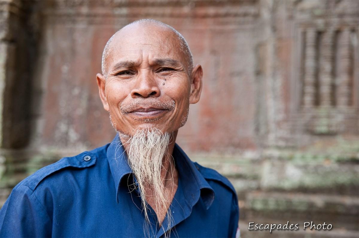 Barbichette asiatique - gardien Angkor Vat