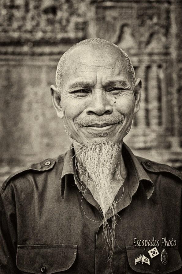 La barbichette d'un gardien à Ta Keo – Angkor Vat