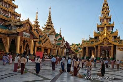 Pagode Shwedagon - le balayage