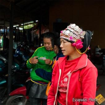 Parure akha marché de luang namtha