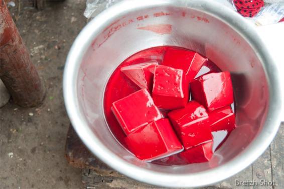 Caillette de sang - marché de luang namtha