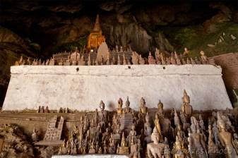 Pak Ou statues par centaines