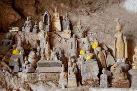 Pak Ou statuettes et effigies