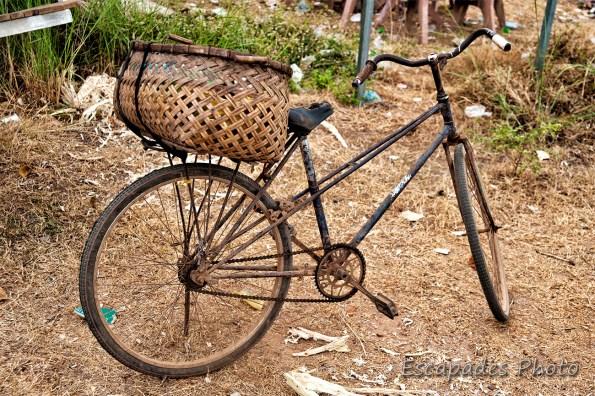 Read more about the article Vieux vélo rouillé à Kampong Cham