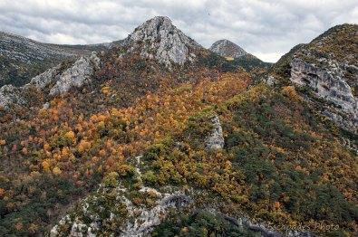 Monts vers Castellane vu du barrage du Castillon
