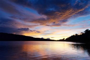 Aurore sur le lac Bratan - Que de lumière
