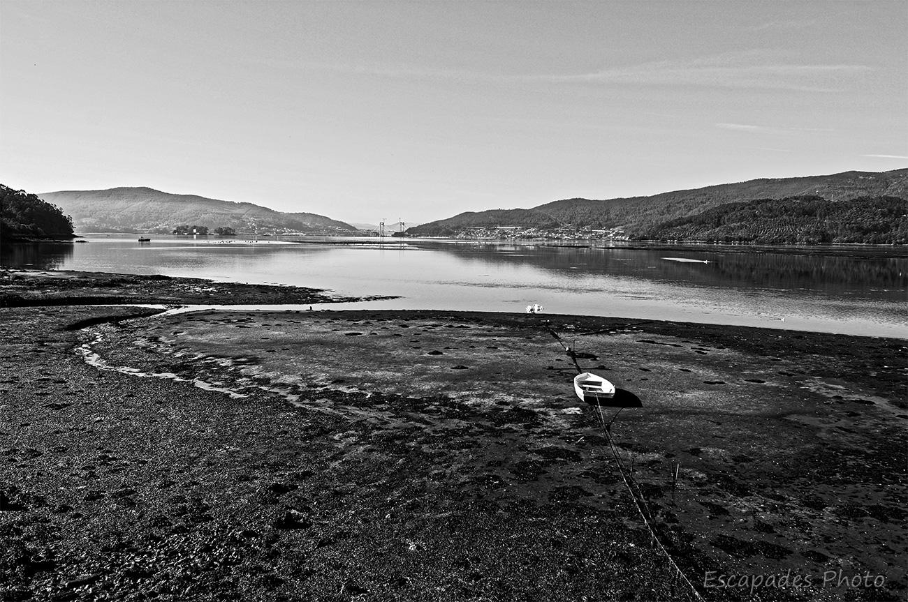 Soutomaior en ria de Vigo et le port de pêche d'Arcade