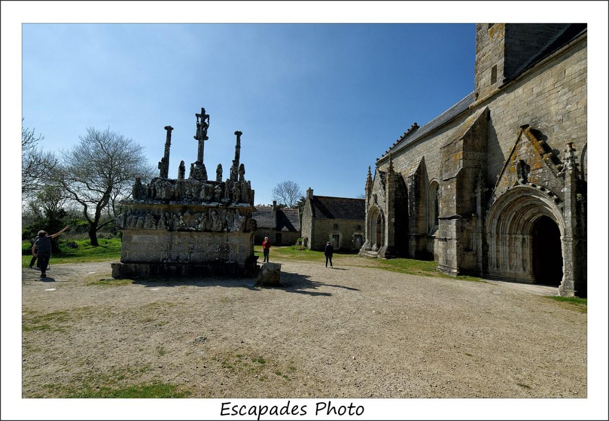 Calvaire de Tronoën et la chapelle Notre-Dame
