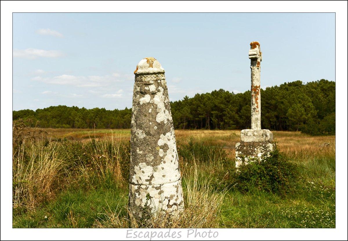 Ria d'Étel - Stèle et croix de Prostlon à Pen er Pont