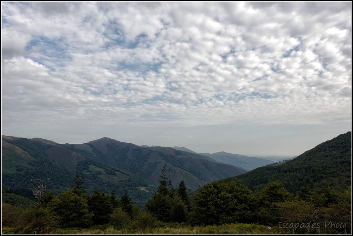 Col de Roncevaux - Vue sur la vallée et les sommets avoisinants