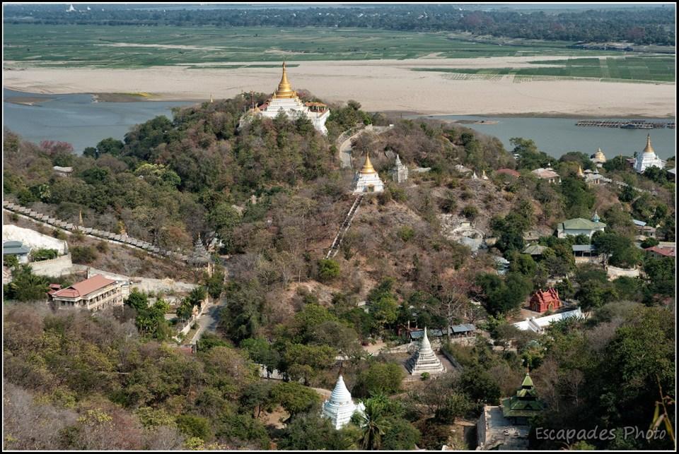 Colline de Sagaing et les multiples pagodes