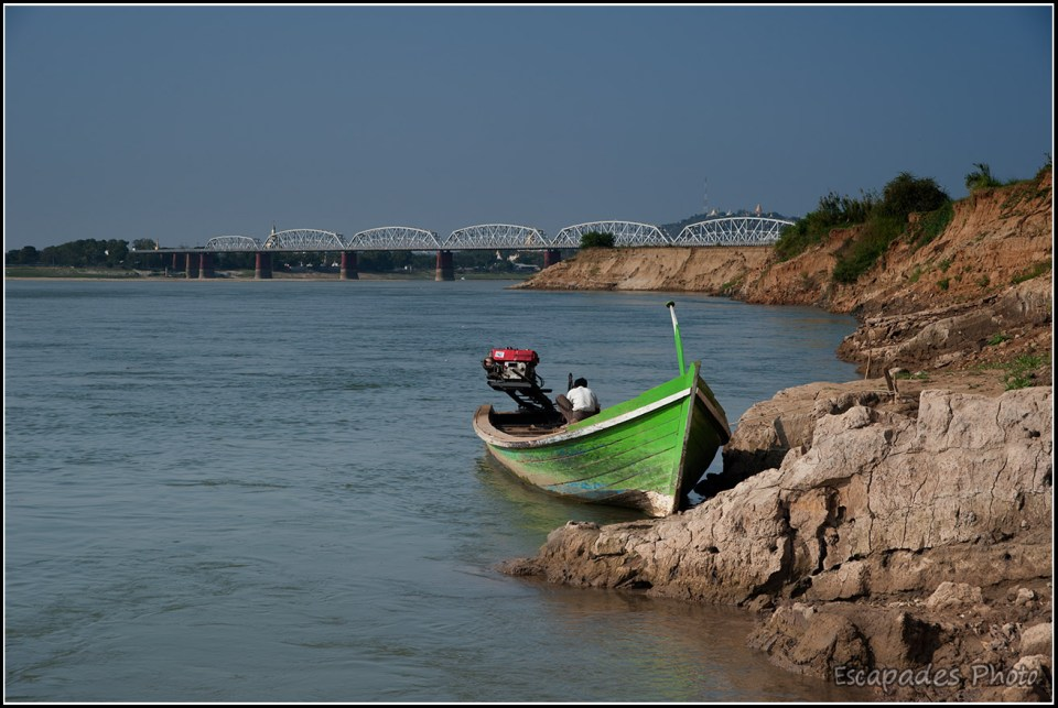 Sagaing : Le pont d'Ava traverse le fleuve Irrawaddy
