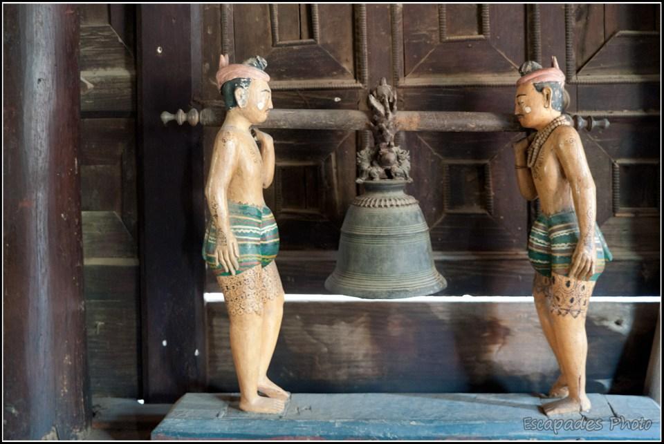 Shwenandaw Kyaung - Porteurs de gong