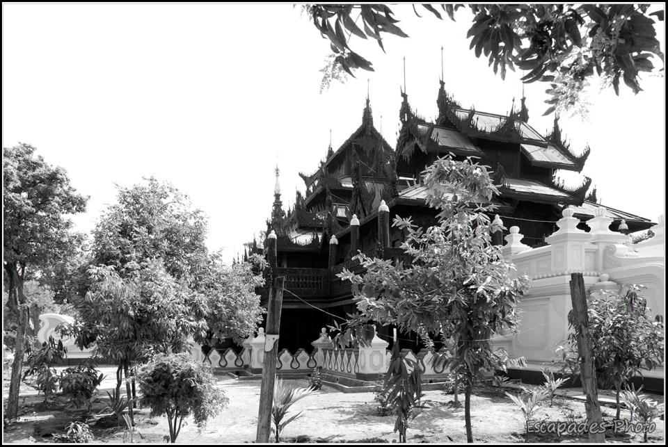Shwenandaw Kyaung - monastère en teck de style birman