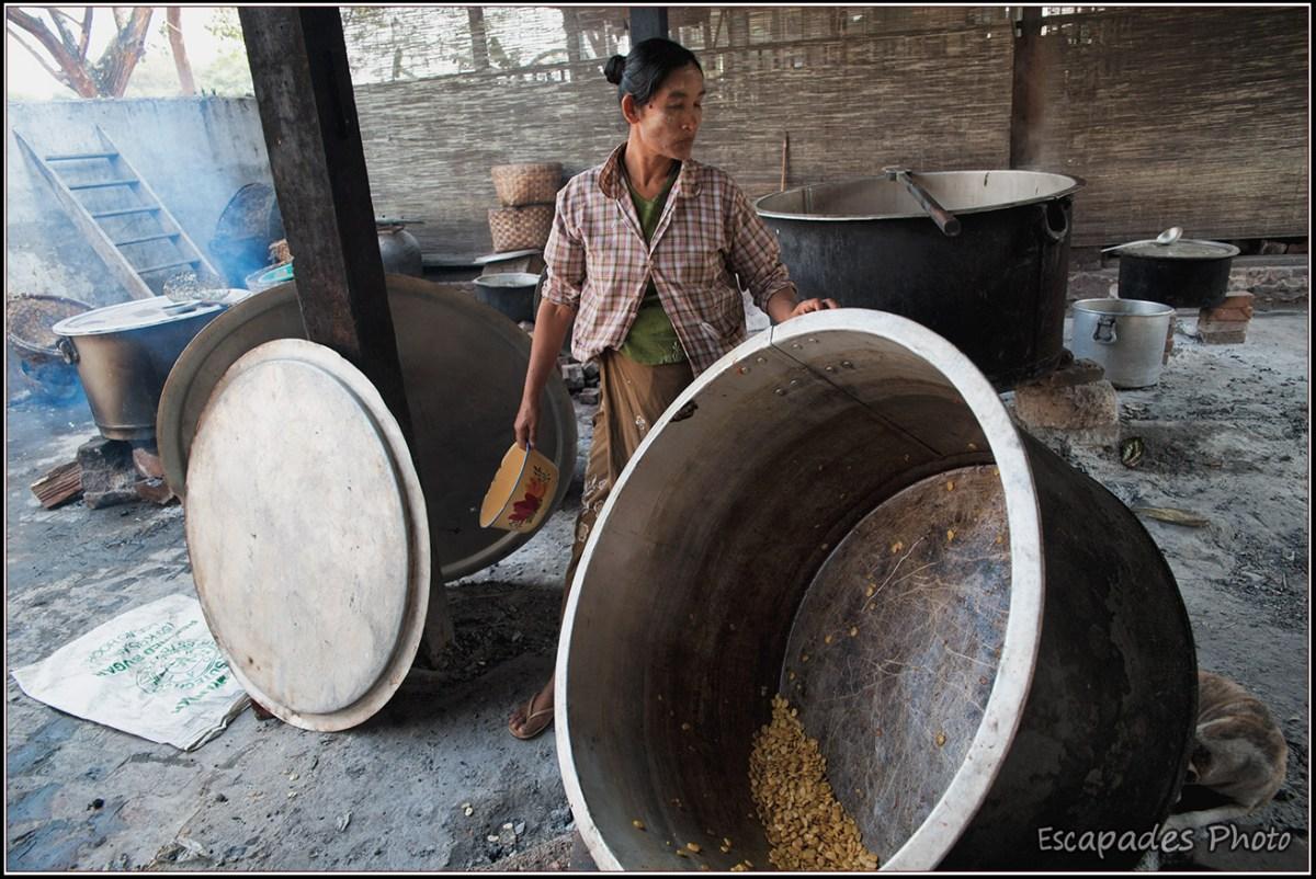 Cuisine aux moines Amarapura Mahagandayon - Grandes marmites