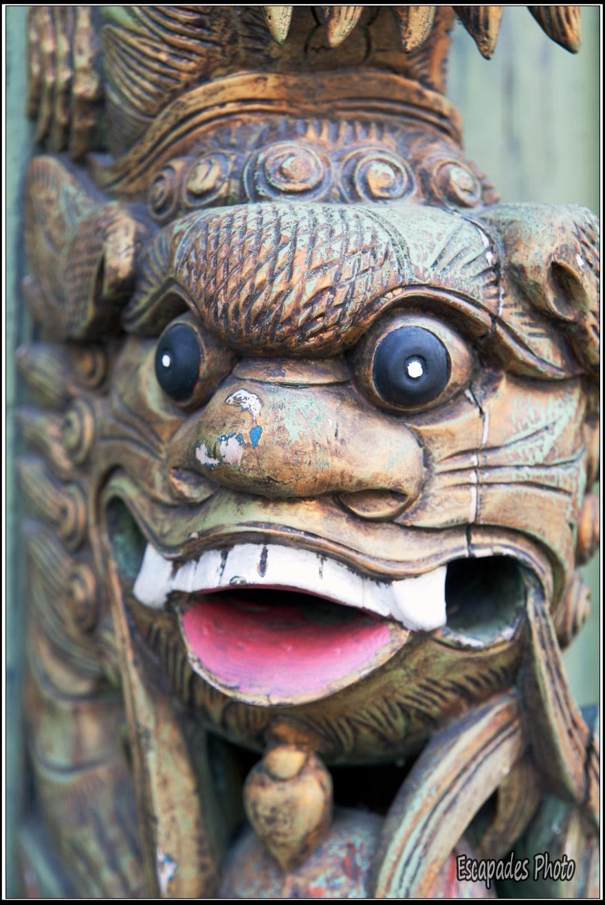 George Town - bas relief d'un génie sur maison de style chinois