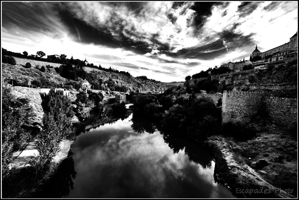 Le Tage à Tolède en noir et blanc