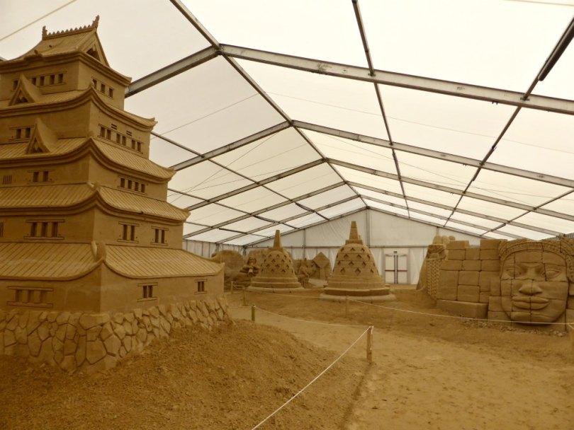 Asien beim Sandskulpturen Festival auf Usedom