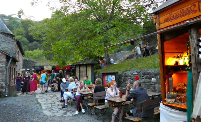 Speis und Trank beim Mittelalterfest in Manderscheid