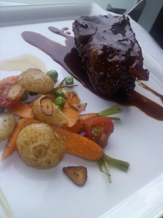 Resto's braised short ribs with blackberry-cranberry bbq sauce