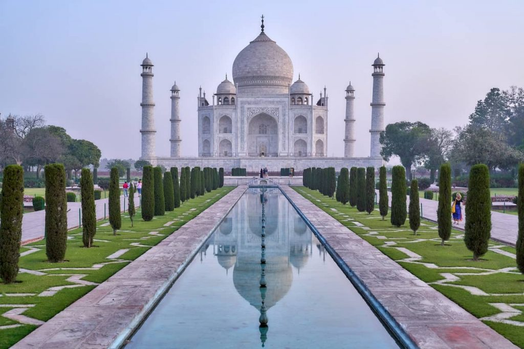 5 Top Hotels in Agra with Views of Taj Mahal