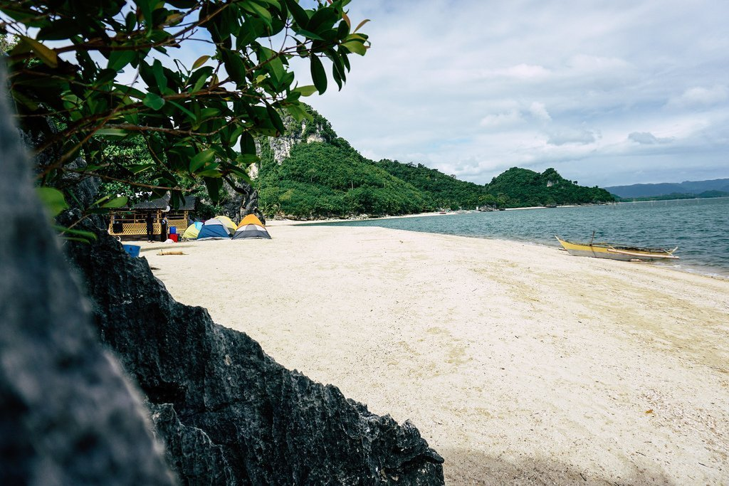 7 Best Beaches in Quezon Province [And How To Get There]