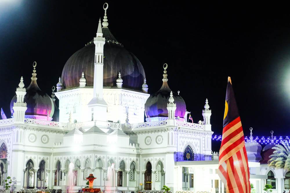 A night view of Masjid Zahir