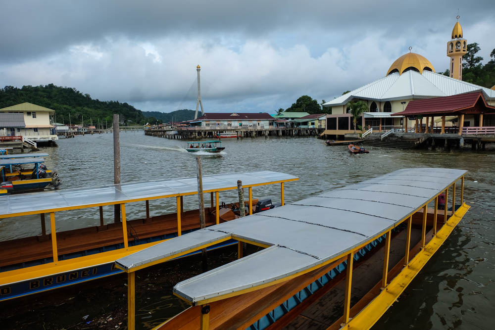 Kampong Ayer - a must visit tourist attraction in Brunei
