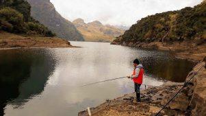 Laguna Loreto - pescando truchas