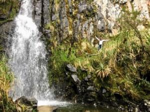 Cascada Milagrosa - puedes acercarte desde la roca