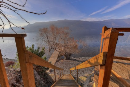 Beachfront access to Okanagan Lake