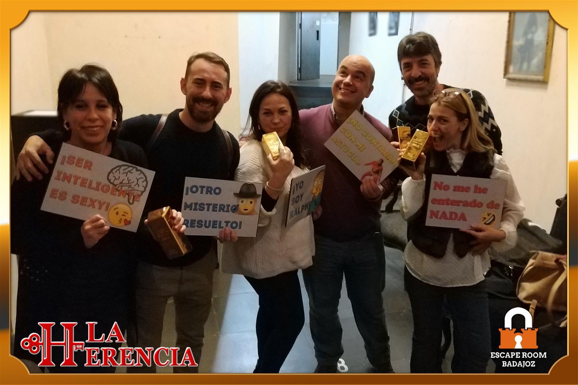 equipo- cuarentones-escape-room-Badajoz-LaHerencia