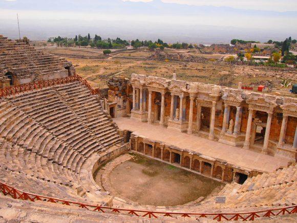 Pamukkale viaje inolvidable - Guía de viaje anfiteatro romano en pamukkale