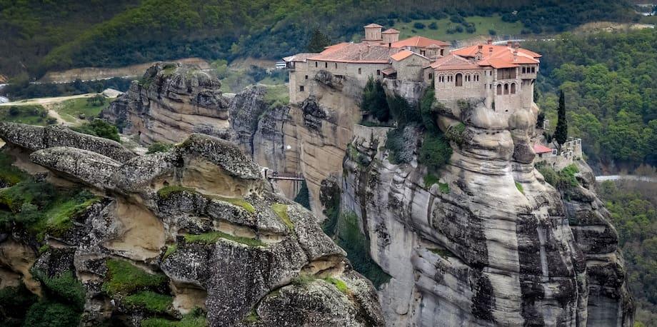 10 Razones para visitar los Monasterios Meteora en 2021