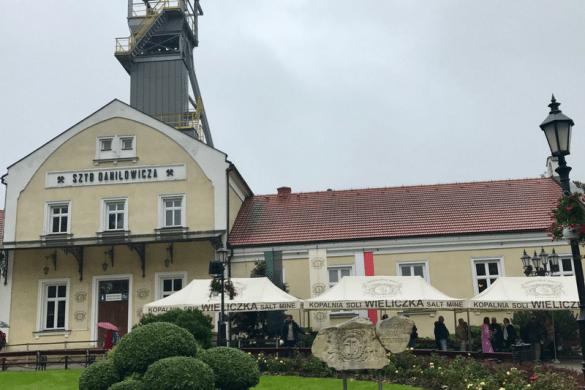 wielczka salt mine krakow poland