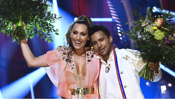 Lina Hedlund Jon HenrikFjällgren Eurovision 2019 Melodifestivalen 2019 SF3.png