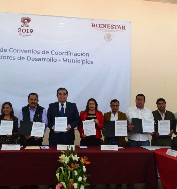 Participa Tzompantepec en firma de convenio para Instalación de centros integradores de la Secretaría del Bienestar.