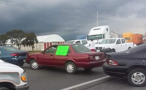 Detención de mototaxis en Cuapiaxtla provoca cierre de carretera México-Zacatepec.