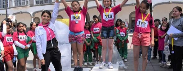 Realizan carrera en conmemoración al Día Internacional de la Mujer en Zacatelco