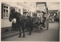 Kerbevadder 1936 vor Gsthaus zur Krone