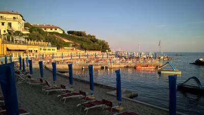 Piano piano la spiaggia si e' svuotata...la preferisco!