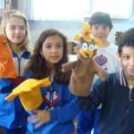 Professora da escola Madre Anatólia de Curitiba realiza aula divertida