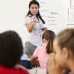 Professores no Brasil perdem 20% da aula com bagunça na classe, diz estudo