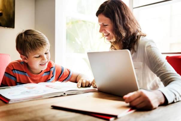 pais-do-seculo-xxi-quais-as-diferencas-da-educacao-de-antigamente