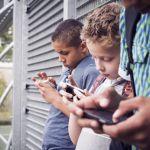 Boneca Momo: desafio da internet que os pais devem ficar de olho!