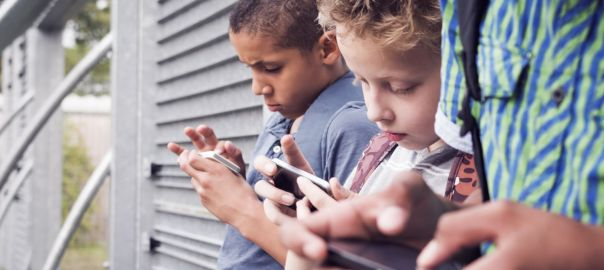 boneca-momo-desafio-da-internet-que-os-pais-devem-ficar-de-olho