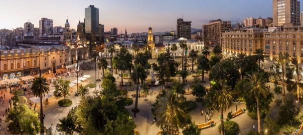 Plaza de Armas e a Catedral Metropolitana