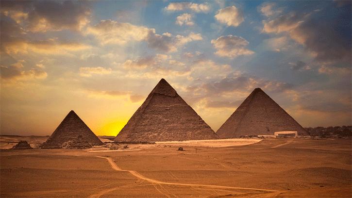 https://i1.wp.com/escolaeducacao.com.br/wp-content/uploads/2015/09/a-grande-piramides-de-gize.png